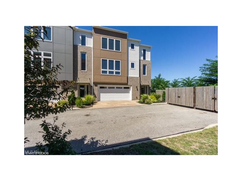 2347 City View Dr Listing Photo