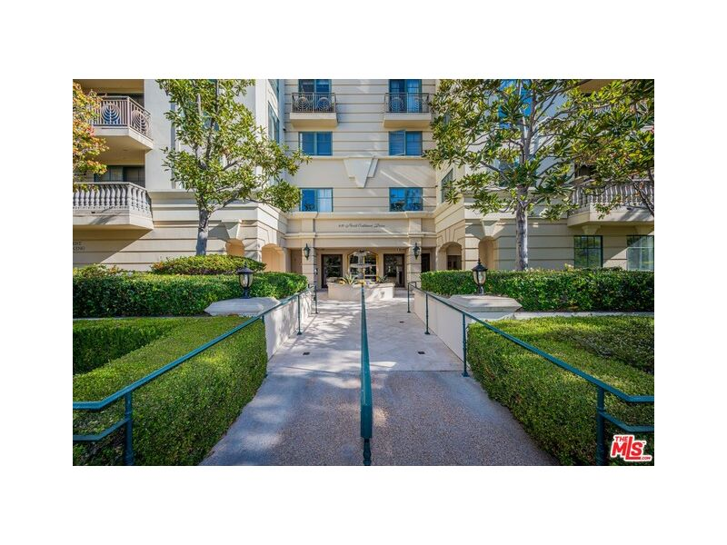 430 Oakhurst Dr #204 Listing Photo