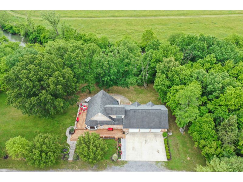 808 Our Lane Listing Photo