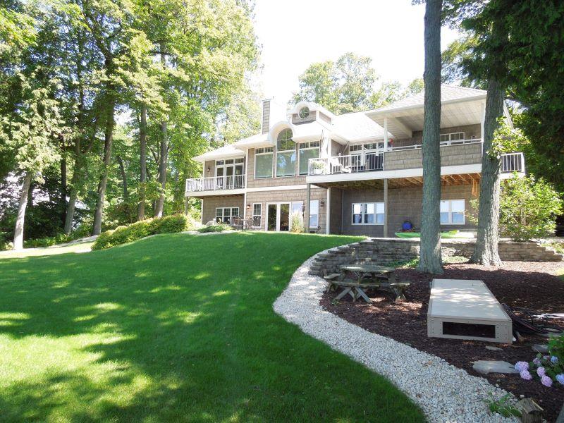 4495 Bay Shore Drive Listing Photo