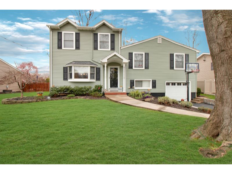 16 Timberline Dr Listing Photo