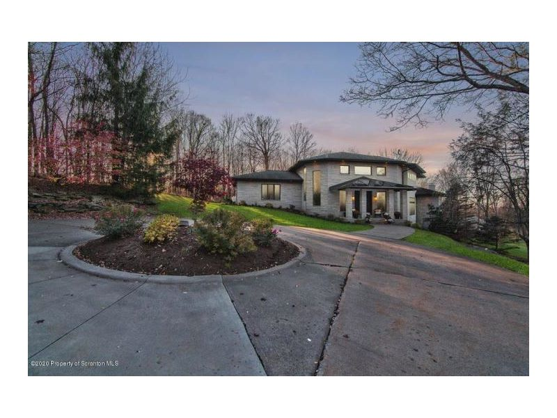 208 Grouse Hill Road Listing Photo