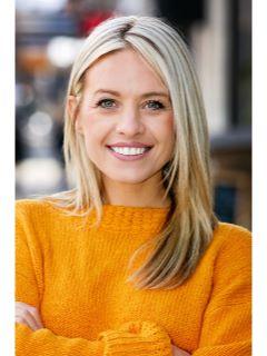 Chelsea Stewart photo