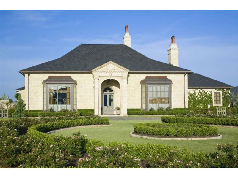 1 Estates of Montclaire Listing Photo